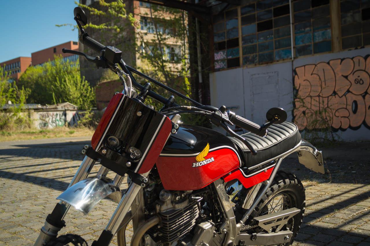 PIG7-Honda-Dominator-Umbau-001
