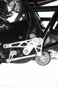 PIG7 Yamaha SR 600 Custom 011